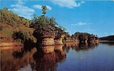BG13929 ink stand rocky islands wisconsin river   usa