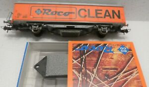 ROCO  43440 TRACK CLEANING CAR WITH ONE NEW CLEANING PAD.