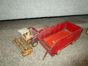 Ford New Holland Farm Toy Combine Forage Chuck Wagon Used Custom Parts Restore