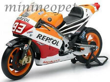 NEW RAY 57663 REPSOL HONDA TEAM 2013 RC213V BIKE #93 1/12 MARC MARQUEZ