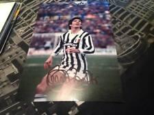 Paolo Rossi mano firmado 12 X 8 Foto Italia meta Juventus Striker Copa del mundo certificado de autenticidad