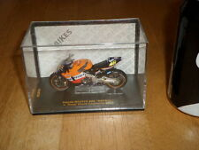 MAISTO TOY- HONDA RC211V (#46) V. ROSSI, WORLD CHAMP #2002 yr. RACING BIKE 1:24