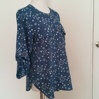 Anne Klein Blue printed 3/4 sleeve blouse size 8