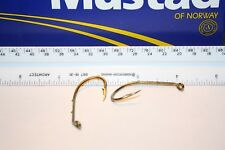 Mustad Lot of 30 5/0 Forged Beak Hook Turned Down Eye 2 Barbed Shank (92641BR)