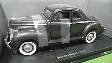 FORD DELUXE COUPE 1940 violet 1/18 UNIVERSAL HOBBIES voiture miniature collectio