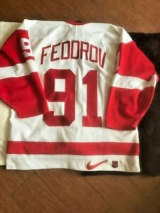 Nike Detroit Red Wings AUTOGRAPHED Sergei Fedorov Authentic Jersey size 48 +tags