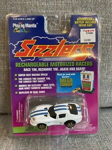 Playing Mantis Sizzlers – 1996 Dodge Viper GTS White W/ Blue Racing Stripes