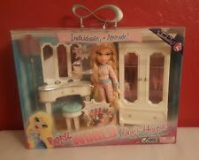 BRATZ WORLD CLOE'S HOUSE DOLL & BEDROOM FURNITURE