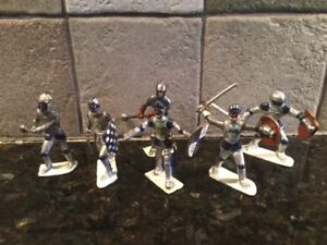 Toy Soldiers 6 Plastic 54mm Medieval Knights