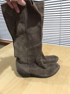 WOmen's Cowboy boots khaki 6.5