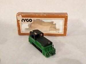 Tyco HO Diesel Switcher Locomotive~ Powered-Lighted~ Burlington Northern w/ Box