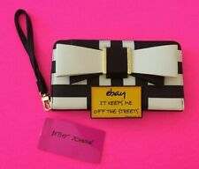 ❤️BETSEY JOHNSON BLACK & WHITE BOW ~ Zip Around Wallet Wristlet Clutch❤️