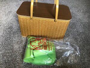 Vintage Picnic basket Redmon with Redmon dishes