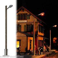 BUSCH 4134 H0 Straßenleuchte mit Holzmast, LED, gelbes Licht, 90 mm hoch, Neu