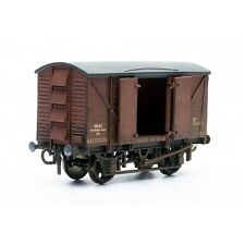 10 Ton Ventilated Meat Van - Dapol C041 - OO plastic Wagon model kit - F1