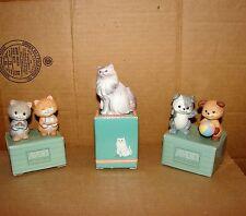 Avon used 1994 Persian Cat Figurine 1992 Best Buddies Puppies Kittens Figurines