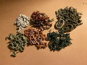 Lot of 189 1/72  HO scale ARMY MEN TOY SOLDIERS - AIRFIX , ESCI  & REVELL