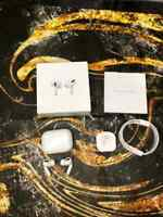 Apple AirPods Pro White In-ear Canal Headset with Wireless Charging Case New
