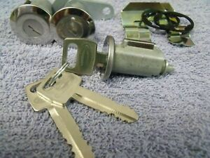 FORD STERLING TRUCK & FREIGHTLINER NEW DOOR & IGNITION LOCK SET WITH 3 NOS KEYS