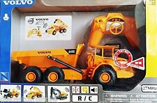 NEW RAY RADIO CONTROL VOLVO A40D DUMP TRUCK 1/32 W/ SOUNDS AND LIGHTS 88773