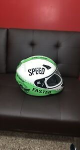 Full Face Motorcycle Helmet! Speed & Strength SS700 Size Medium AND VERY NICE!