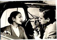Girl & Car Bellezze e Motori Coppia con Fiat Topolino PC Circa 1950 Vera Foto 4