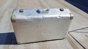 Valigia/ box travel alluminio vintage design, usato buone condizioni come foto