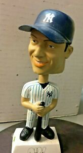 Derek Jeter # 2 NY YANKEES Bobblehead 2002 Play Makers Special Edition