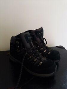 Womens  berghaus Black Walking Boots Size 8
