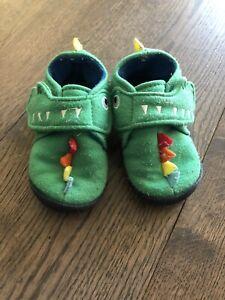 Boys Size 6 Dinosaur Slippers - Next