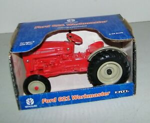 Vintage Ford 621 Workmaster Farm Tractor New Holland 1/16 ERTL Die-Cast NEW