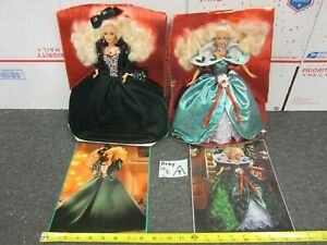 2 Vintage 1991 & 1995 Happy Holidays Barbie Dolls w/ Clothes, Jewelry Stands LOT