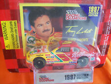 TERRY LABONTE KELLOGG'S PREVIEW 1/64 scale 1997 WITH COLLECTOR CARD & STAND