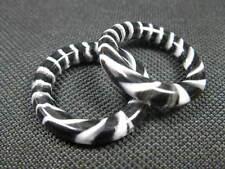 2 Polyesterperle Ringe schwarz weiß rund 29mm Perlen neu 108