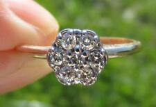 PRETTY 0.33 TCW 14K GOLD DIAMOND FLOWER CLUSTER COCKTAIL RING