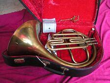 """Faire offre pour: cor horn à 3 pistons,2 tons"""" Imperial  London england """" Eb/ F"""