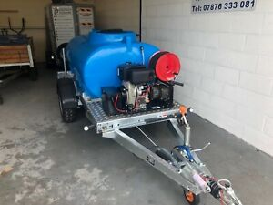 Towable pressure washer Bowser