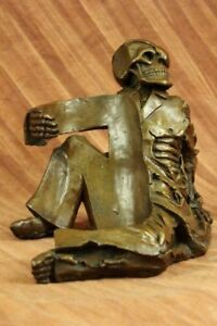 Skeleton Laying Wine Holder Bronze Statue Sculpture Figurine Home Deco Figure