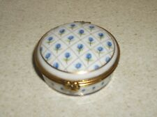 Lovely hinged top porcelein trinket/pill box by Del Prado - design no e.p.01