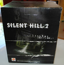Silent Hill 2: James and Nurse Statue (OXMOX / Konami) NEUVE ! Introuvable