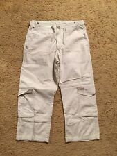 ABERCROMBIE AND FITCH CROPPED KHAKI CARGO PANTS...SIZE 8