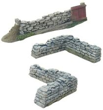 BRITAINS DIORAMA ACCESSORIES 17812 GATE & STONEWALL SECTIONS MIB