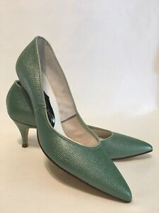 Green 1960s Vintage Shoes Heels for