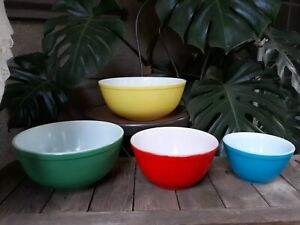 4 VINTAGE Glass PYREX Mixing Bowls PRIMARY COLORS Set Gorgeous L@@K