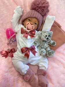 REBORN BABY GIRL DOLL GORGEOUS OUTFIT WITH BOTTLE, BEAR AND CRYSTAL CLIP c