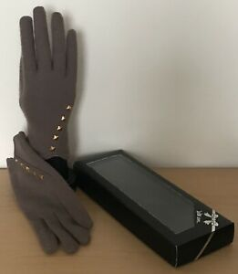 Ladies Pull On Taupe Brown Beige Wool Gloves. Silver Studs. One Size Boxed