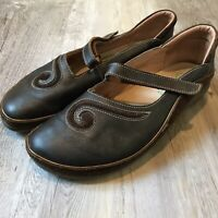 NAOT Leather Mary Jane's Women's Size 9 Brown Black Gold