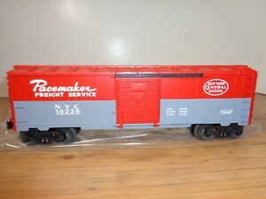 LIONEL O GAUGE # 6-16235 NEW YORK CENTRAL PACEMAKER BOX CAR AND BOX