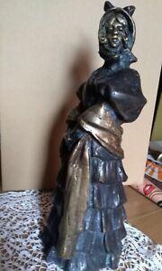 Antica statua in stile liberty fusione bronzo Dama firmata Day peso kg 4
