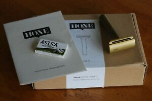 Hone DE Razor Type 15 Safety/ double edge razor. Brass, boxed, superb.